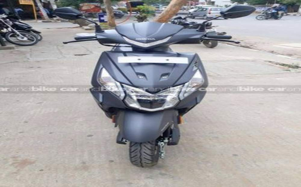 Honda Dio Dlx Front View