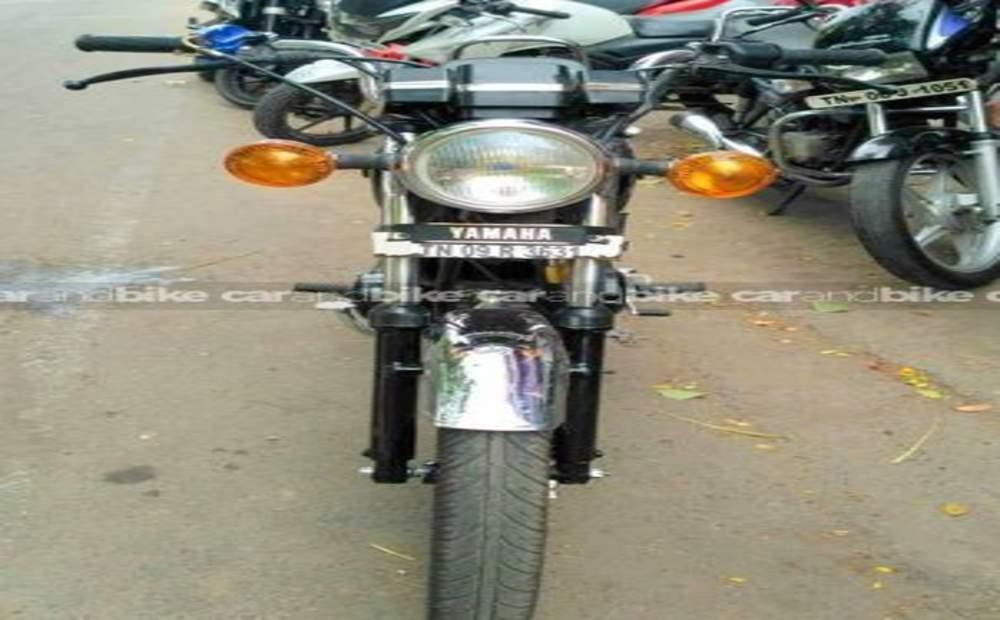Yamaha Rx 135 Std Front View