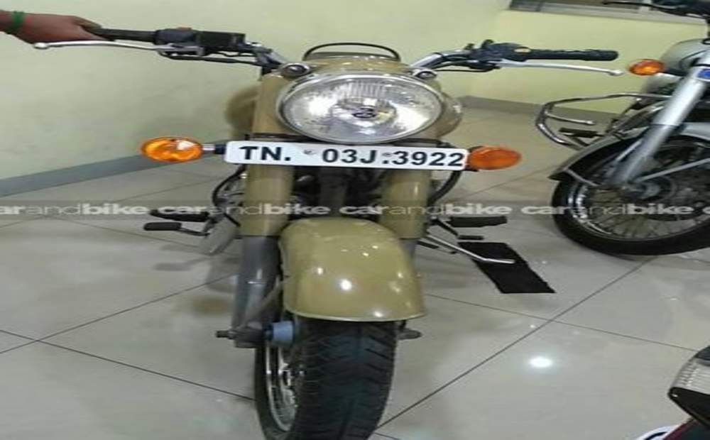 Royal Enfield Classic 500 Std Front View