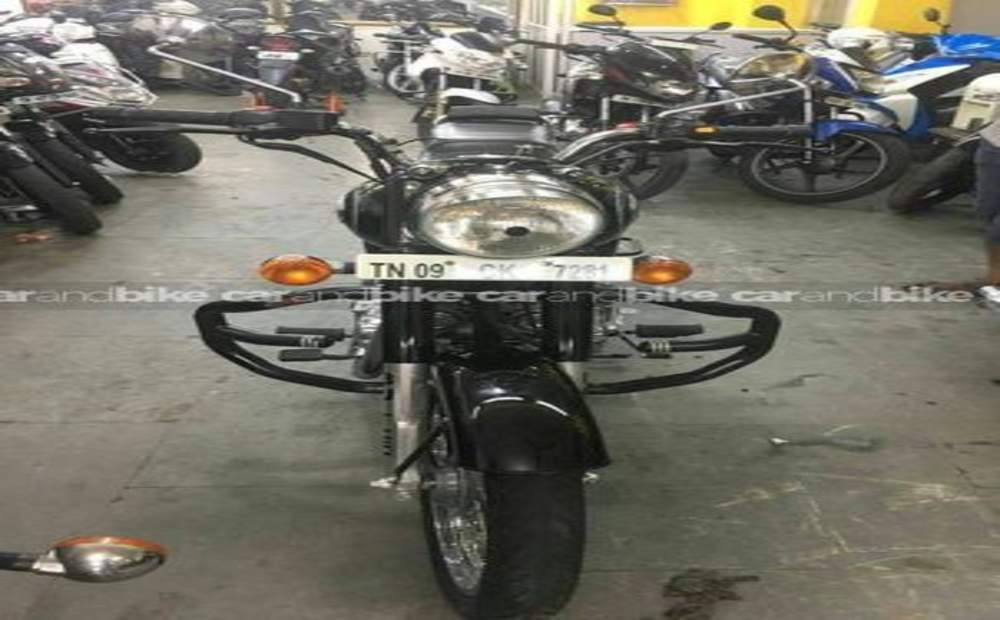 Royal Enfield Bullet 350 Std Front View
