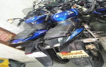 Bajaj Pulsar 220 Standard Right Side