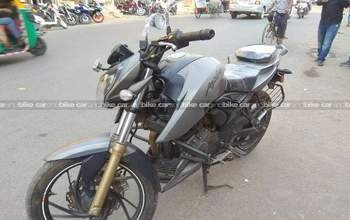 Tvs Apache Rtr 200 4v Std Rear View