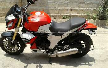 Mahindra Mojo Std Rear View