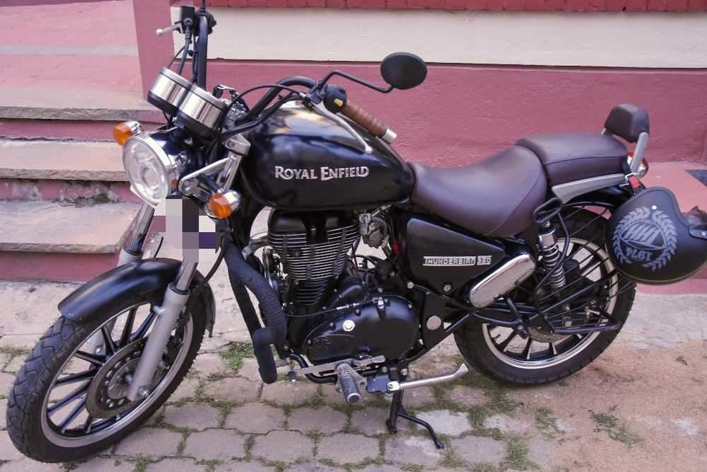 Royal Enfield Thunderbird 350 Rear View
