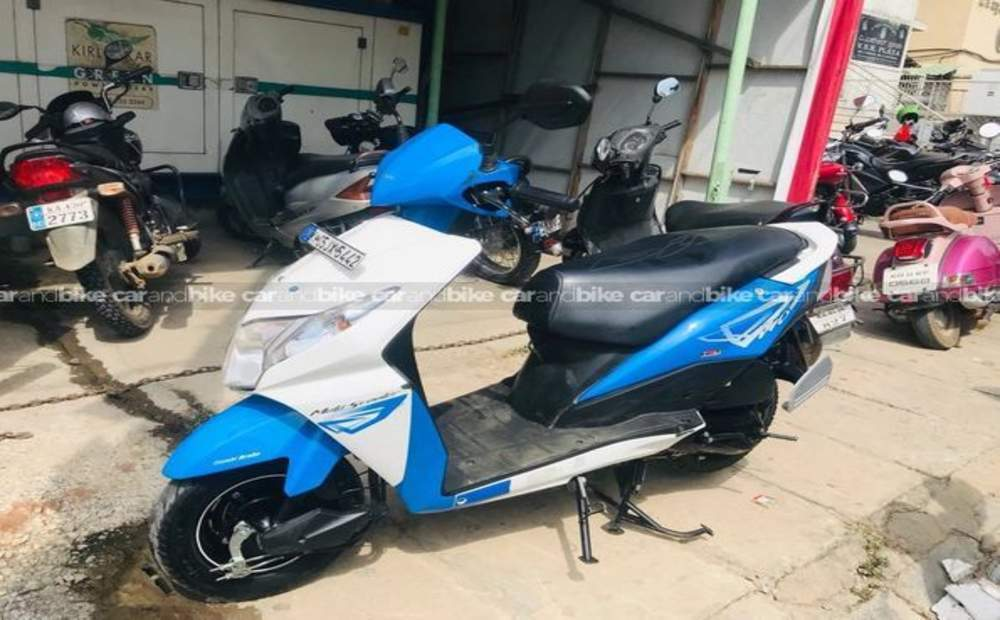 Honda Dio Dlx Front View
