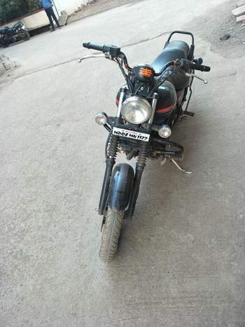 Bajaj Avenger Street 220 Left Side