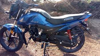 Honda Livo Right Side