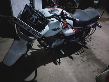 Bajaj V15 Engine
