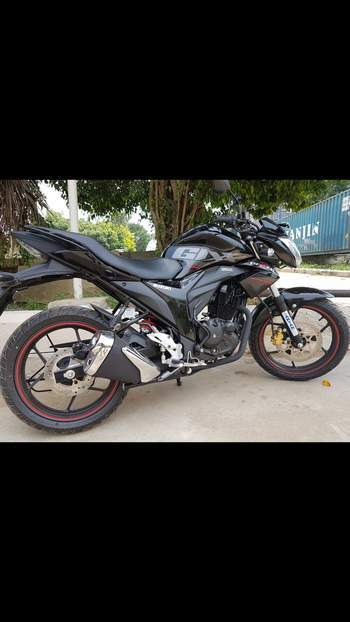 Suzuki Gixxer Right Side