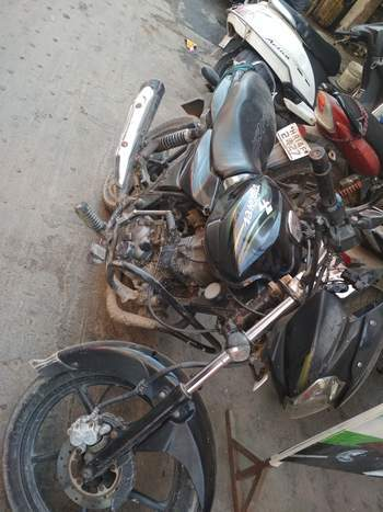 Bajaj Discover 125m Left Side