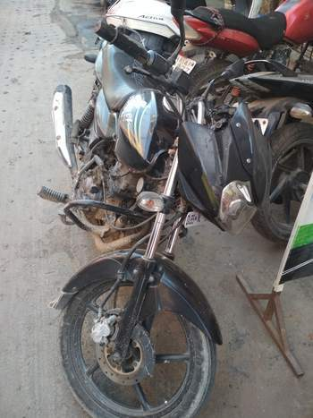 Bajaj Discover 125m Right Side