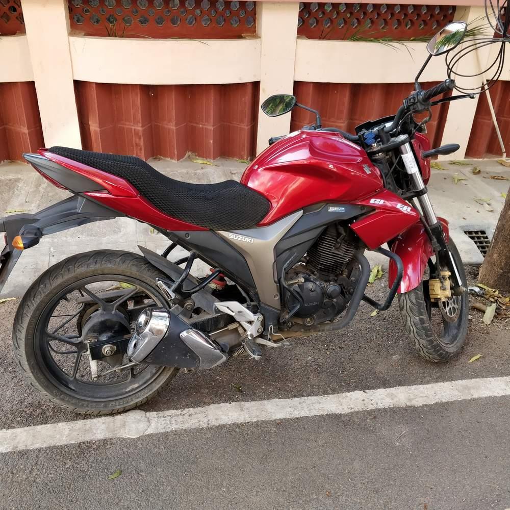 Suzuki Gixxer Sf Front View