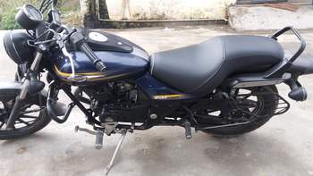 Bajaj Avenger Street 150 Right Side