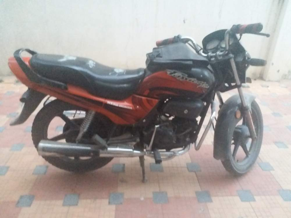 Hero Honda Splendor Plus Front View