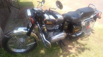 Royal Enfield Machismo Left Side
