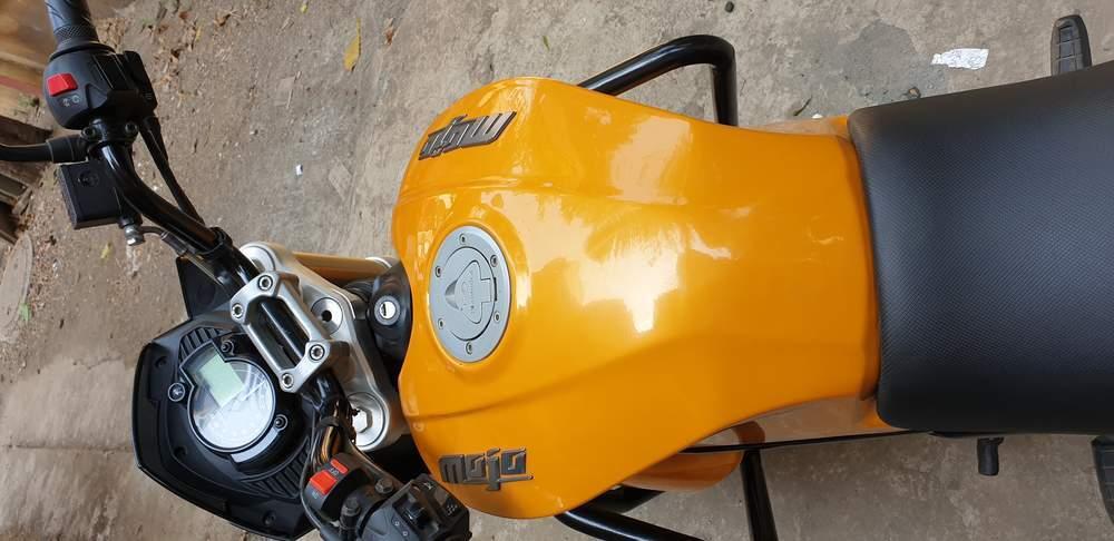 Mahindra Mojo Rear View