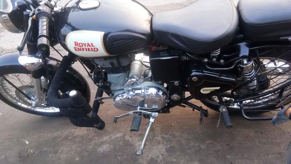Royal Enfield Bullet 350 Rear View