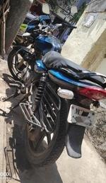 Bajaj Discover 125m Front View