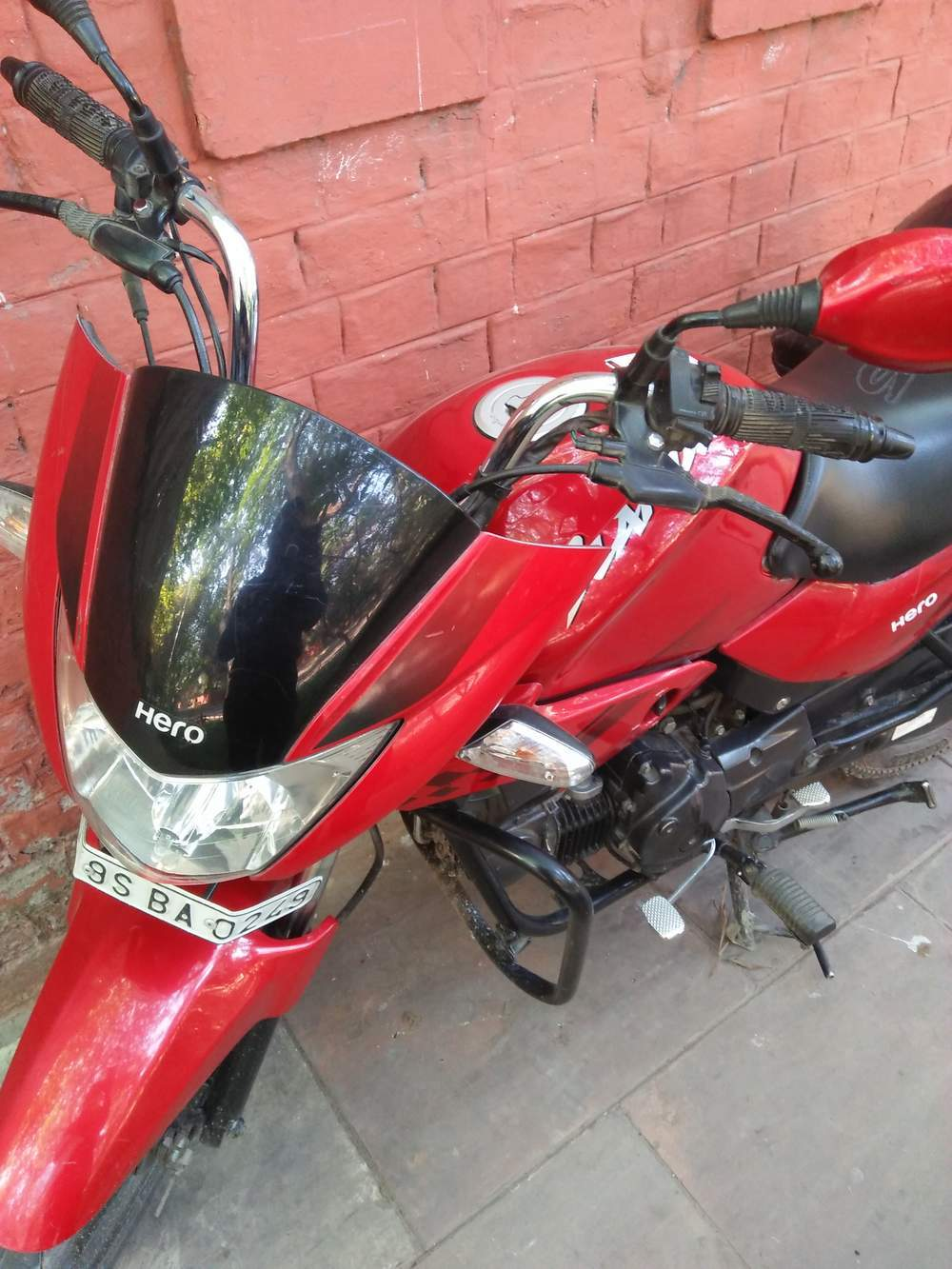Hero Glamour 125 Front View