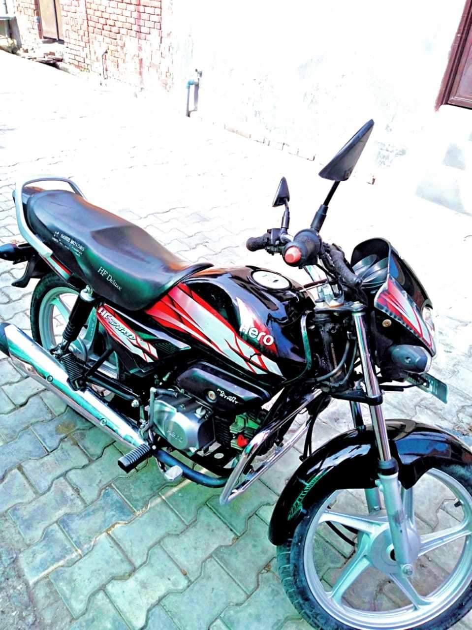 Hero Hf Deluxe Rear View