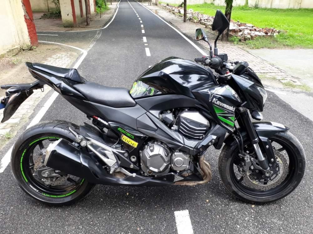 Kawasaki Z800 Rear View