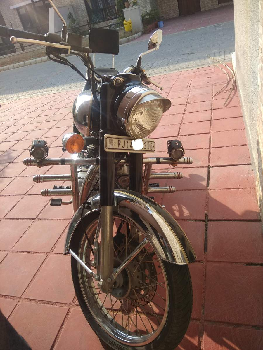Royal Enfield Classic Chrome Rear View