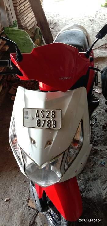 Honda Dio Right Side