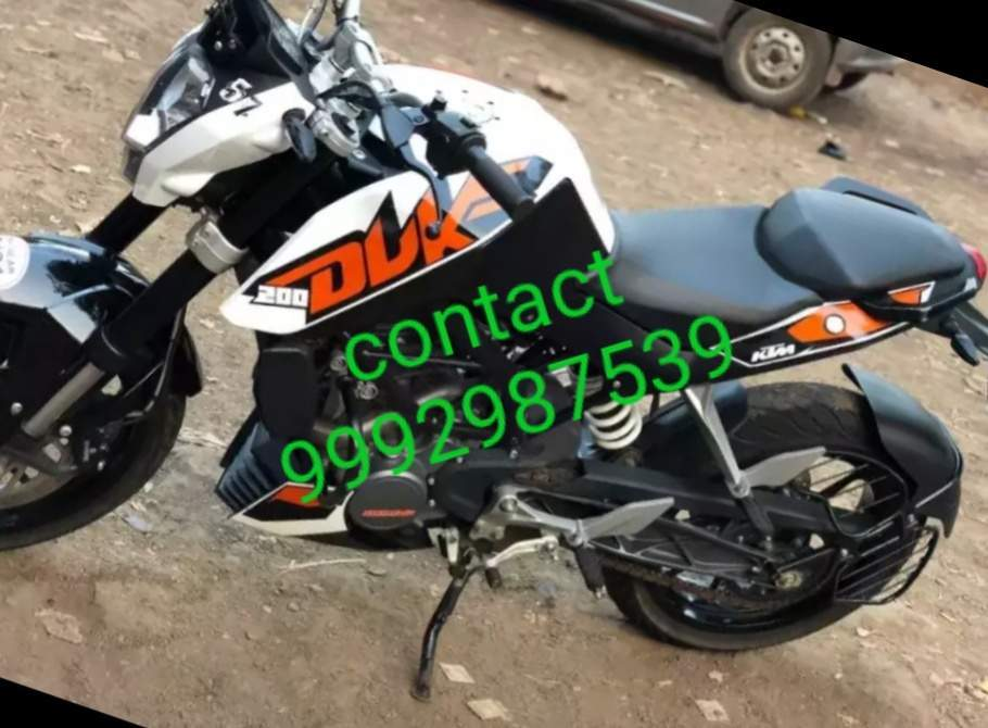 Ktm 200 Duke Right Side
