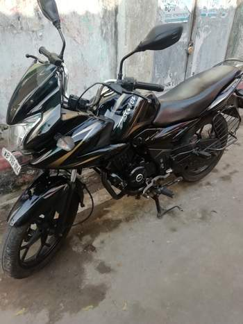 Bajaj Discover 150f Right Side