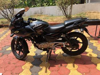 Bajaj Pulsar 220 Right Side