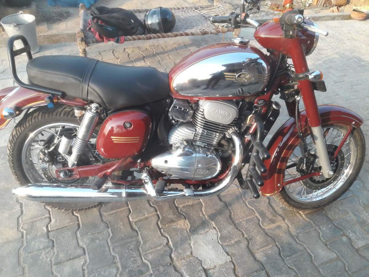 Jawa 300 Right Side