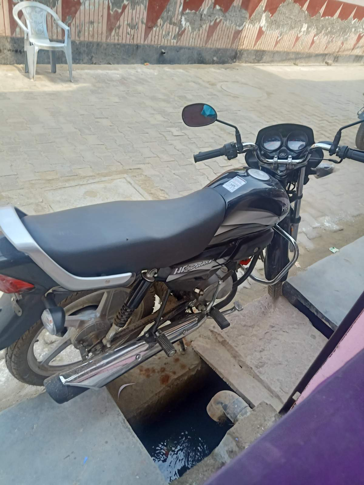 Used Hero Hf Deluxe Bike In Bulandshahr 2020 Model India At Best Price Id 51250