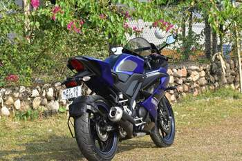 Yamaha R15 V30 Front Tyre