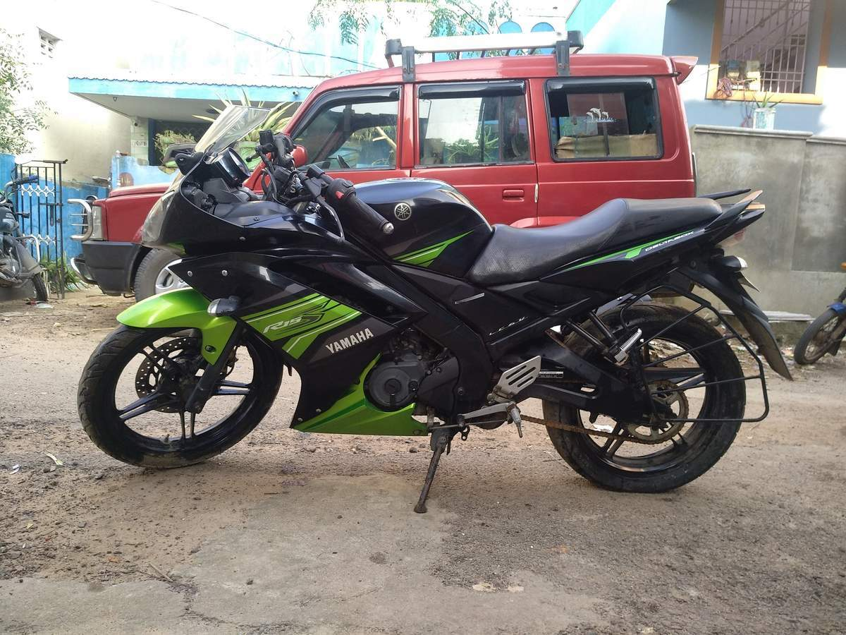 Yamaha Yzf R15s Right Side