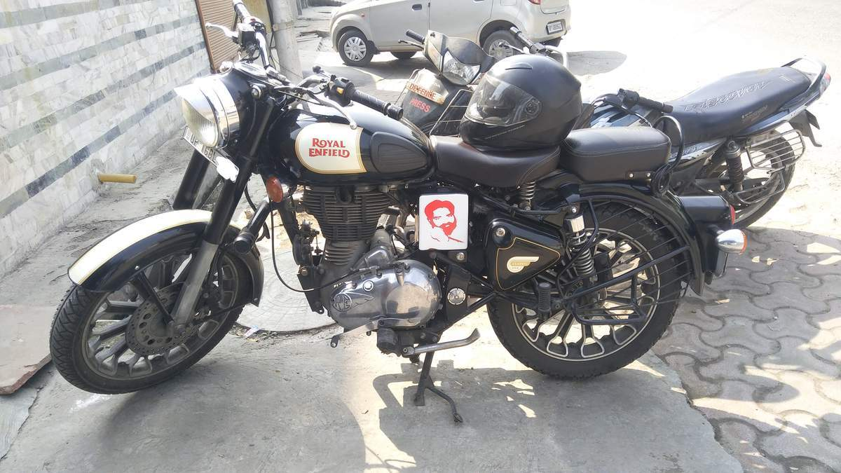 Royal Enfield Classic Chrome Front View