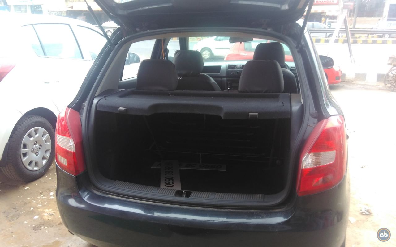 used skoda fabia 1 2 active petrol in gurgaon 2010 model. Black Bedroom Furniture Sets. Home Design Ideas