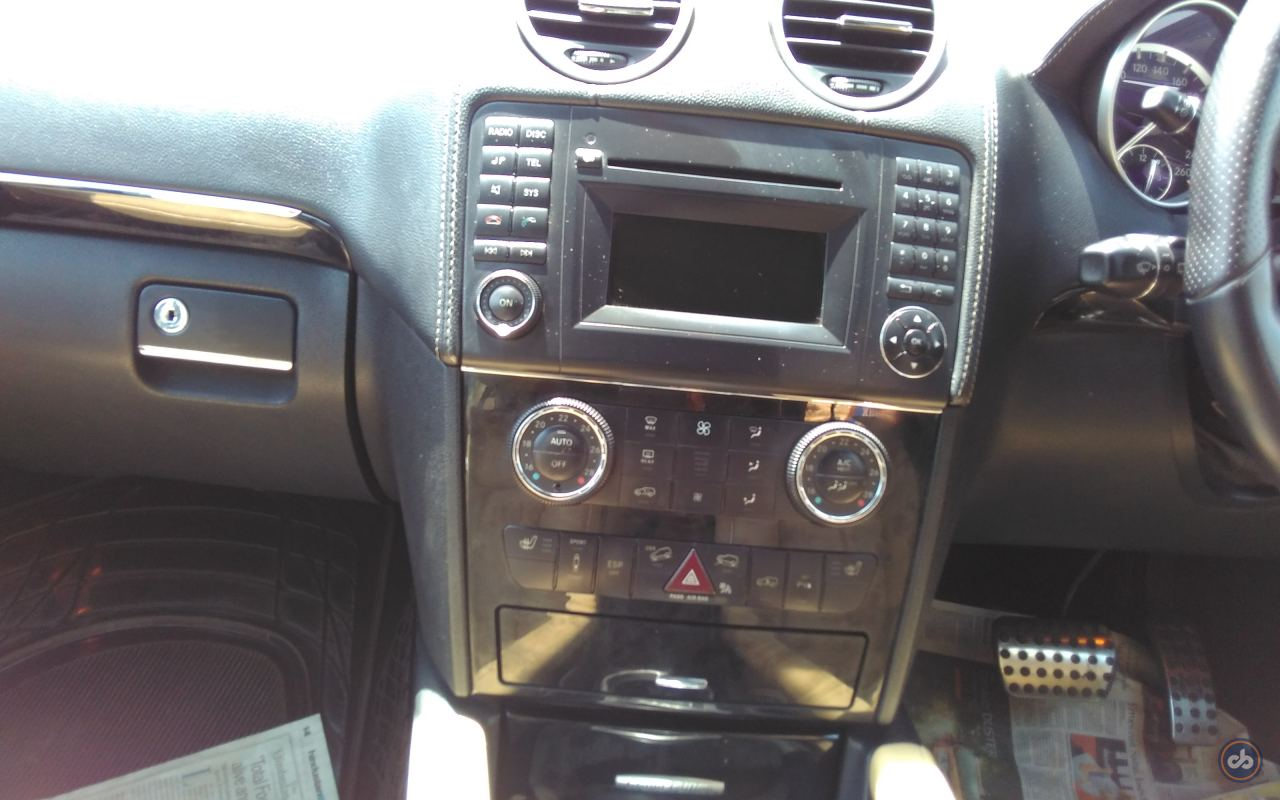 Used mercedes benz m class ml 350 in south delhi 2011 for Mercedes benz music system