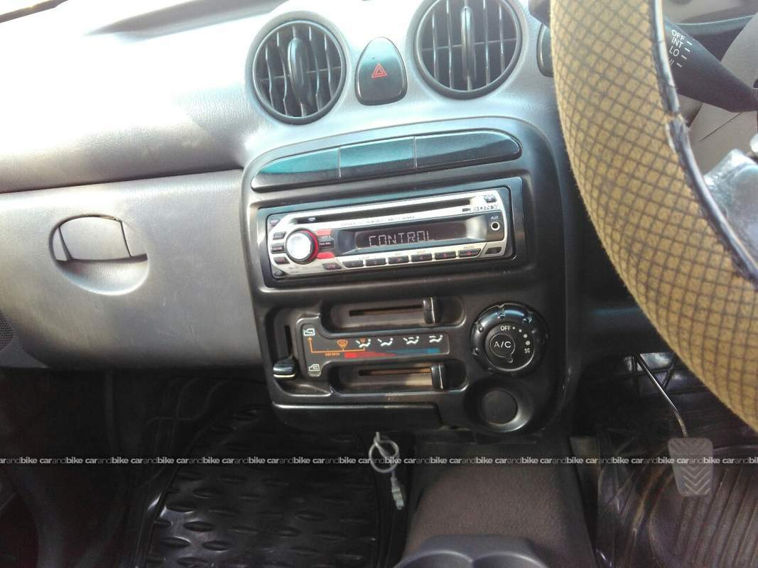 Best Music System For Santro Car