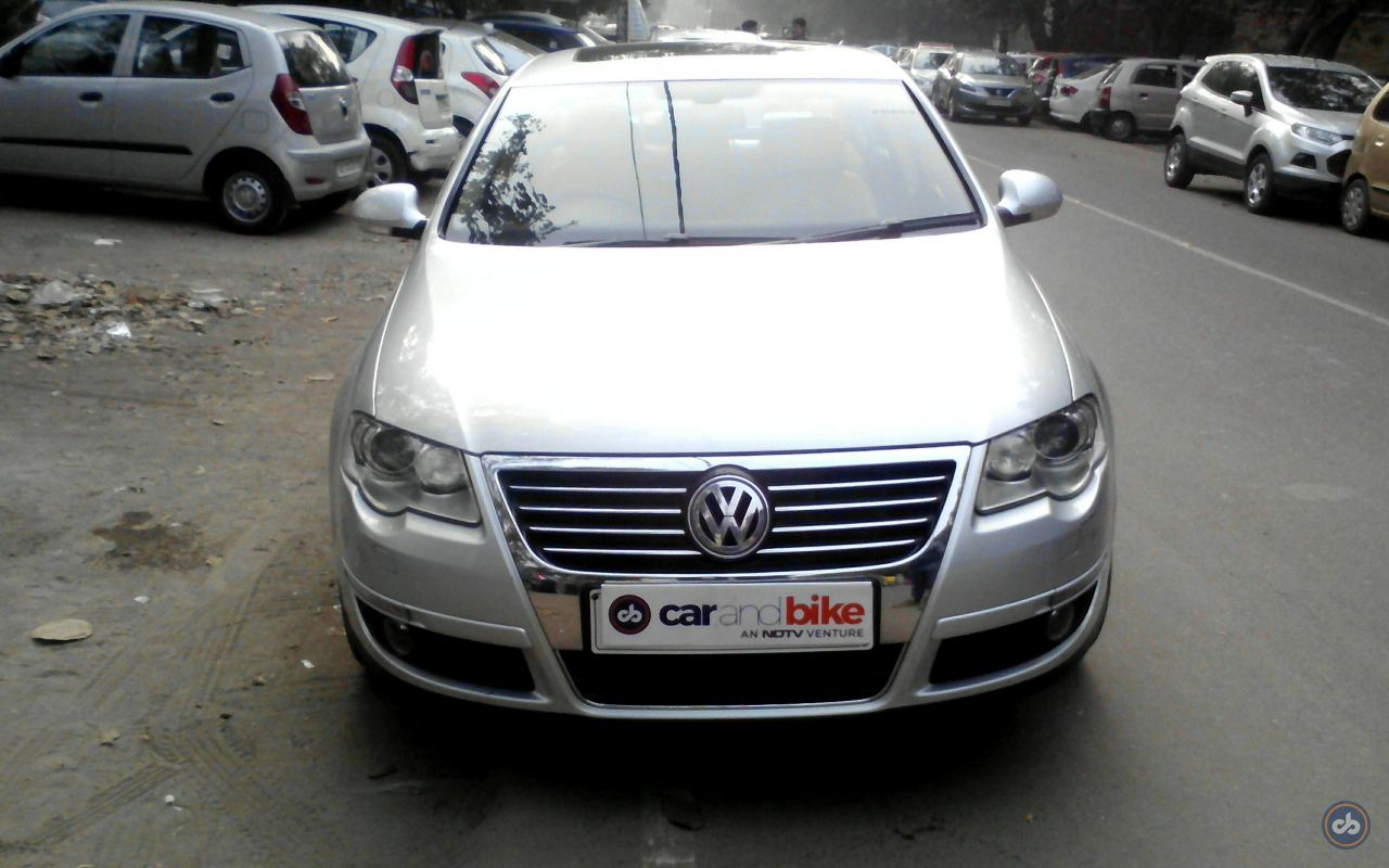 used volkswagen passat 1 8 tsi in south west delhi 2010 model india at best price id 3136. Black Bedroom Furniture Sets. Home Design Ideas