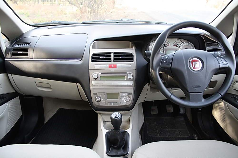 Fiat Linea Left Side View