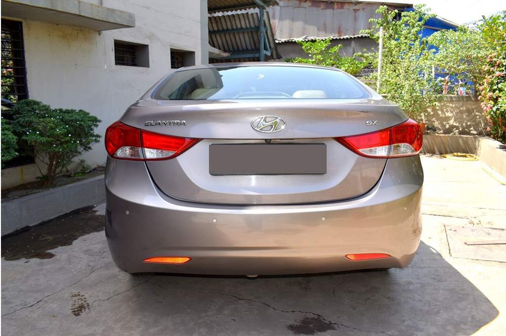 Hyundai Elantra Rear Left Side Angle View