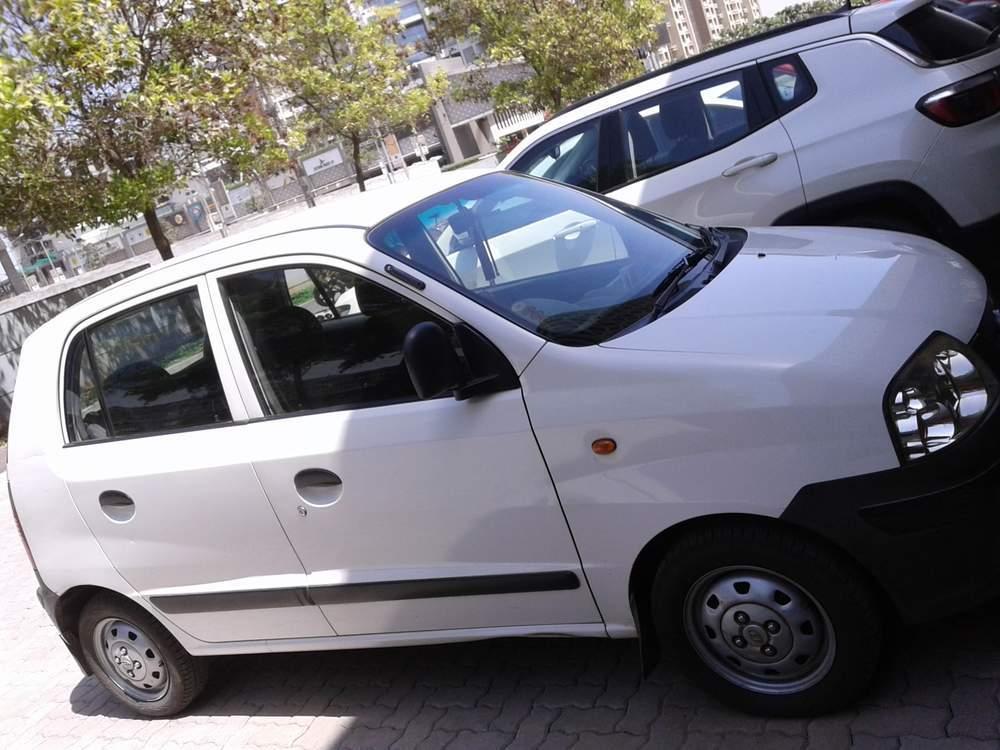 Hyundai Santro Xing Left Side View