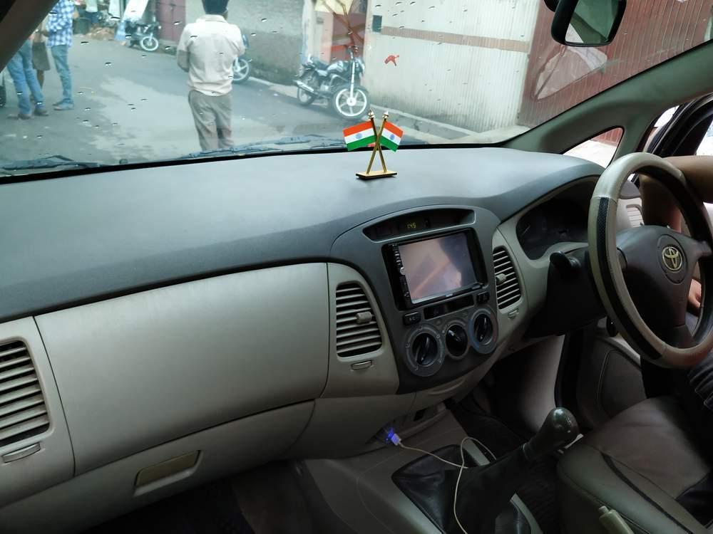 Toyota Innova Left Side View