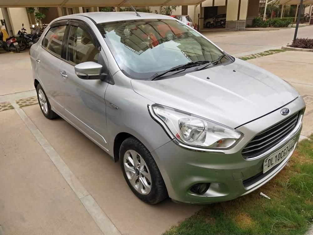 Ford Figo Aspire Right Side View