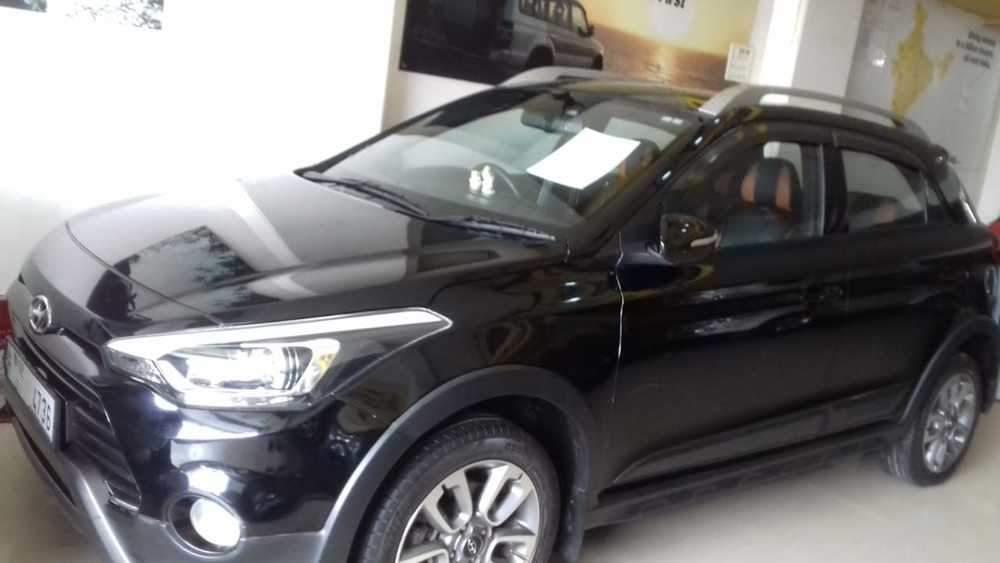 Hyundai I20 Active Rear Right Side Angle View