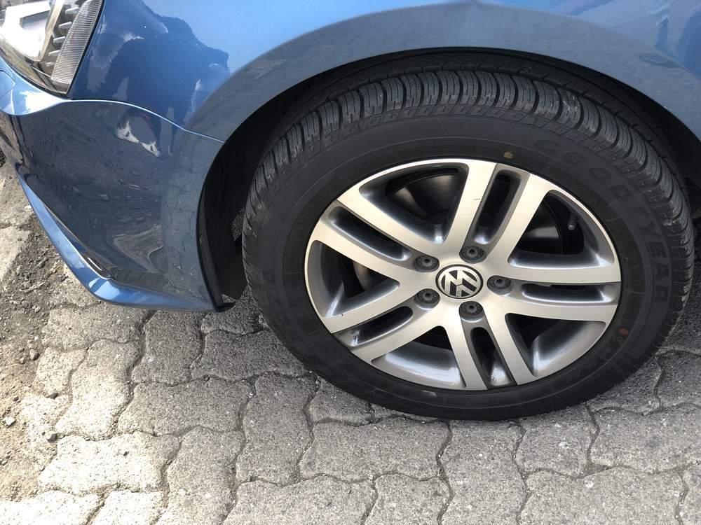 Volkswagen Jetta Rear Right Rim