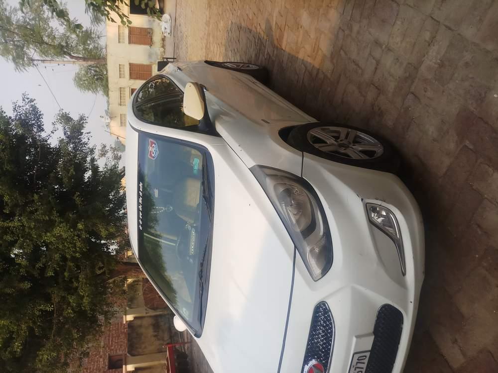 Hyundai Fluidic Verna Rear Left Side Angle View