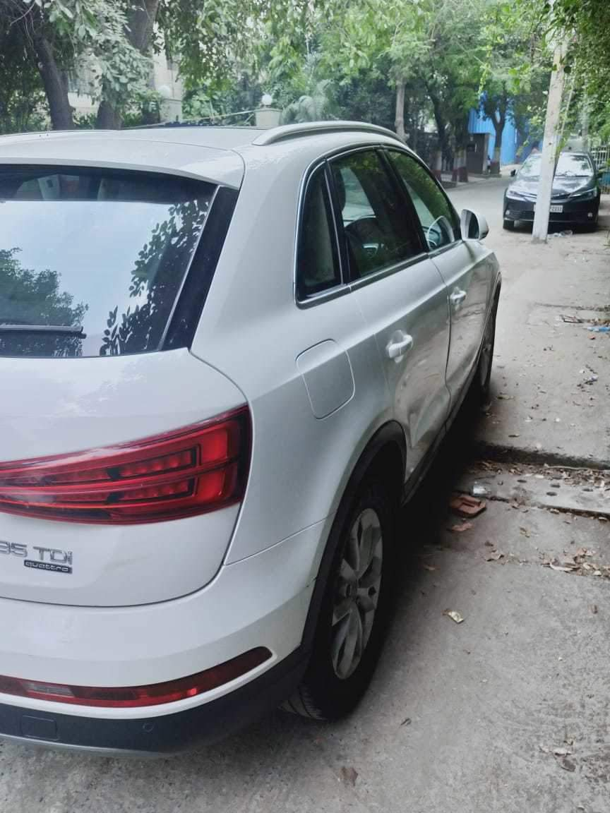 Audi Q3 Left Side View