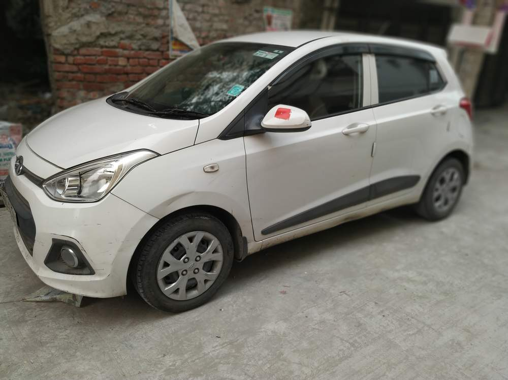 Hyundai Grand I10 Right Side View