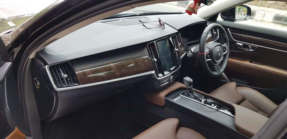 Volvo S90 Left Side View